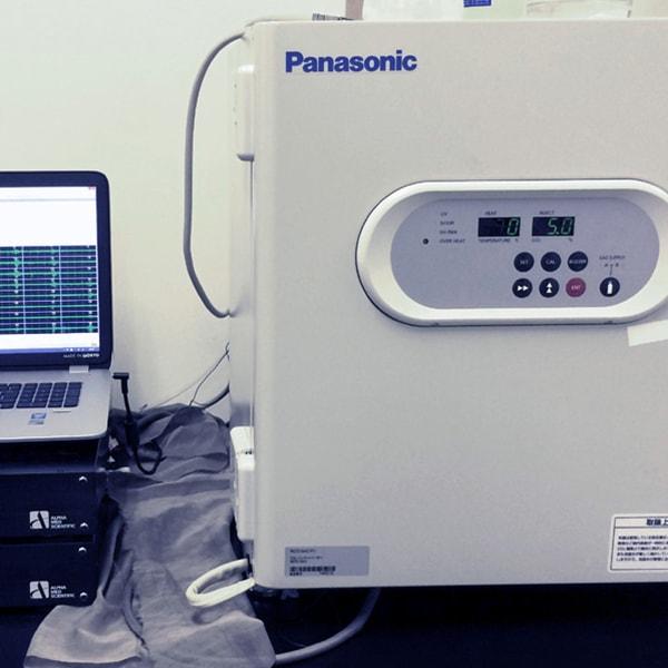 Recording in incubator